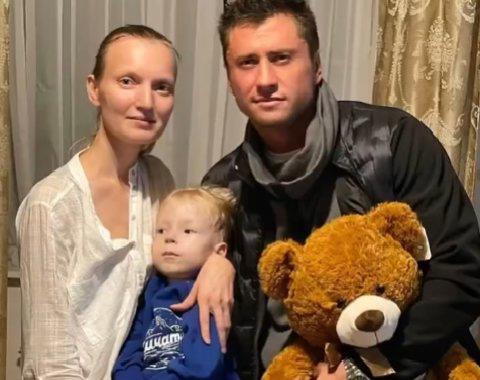 Актер Павел Прилучный приехал в гости к тяжелоболь...