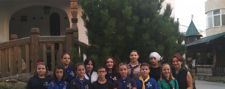 """Юные разведчики дружины """"Горгиппия"""" приняли участие в молебне на начало нового учебного года"""