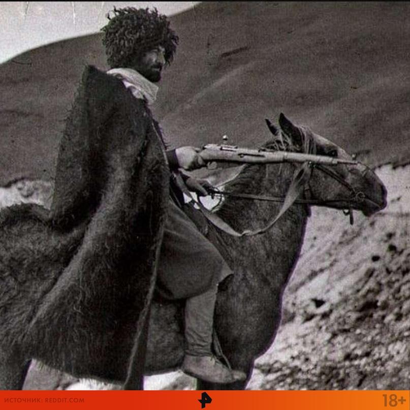 """Папаха пришла в русский язык из тюркского мира. Так, слово """"рараχ"""" c азербайджан..."""