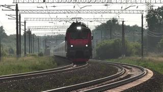 Электровоз ЭП20-038 с поездом № 014 Берлин - Москва