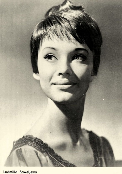 ДЕВОЧКА ИЗ БЛОКАДНОГО ЛЕНИНГРАДА, ПОКОРИВШАЯ МИР Кто бы мог подумать, что простая девушка из балетной школы в одночасье способна покорить мир...Американцам тогда всё же удалось обогнать СССР они
