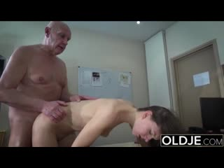 Teen open mouth cumshot and swallow after riding old man cock