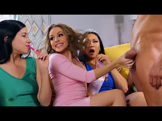 ПОРНО -- ЕЙ 24 -- НА ВЫПУСКНОМ ШАБОЛДА СОСЁТ СТРИПТИЗЁРУ -- porn sex -- Kimmy Granger