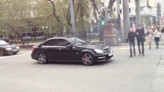 Mercedes C63 AMG прохожие ва*уе