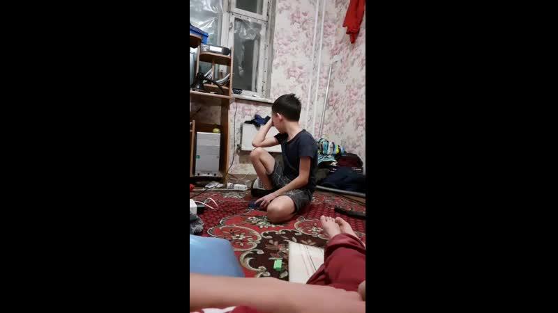 нурахмат скучает по маме которая улетела в Кыргызстан из за дедушки