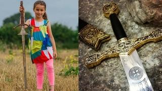 На дне озера нашли древний меч короля. Самые необычные находки археологов