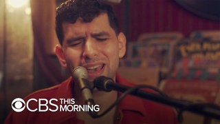 """Saturday Sessions: Aaron Frazer performs """"Bad News"""""""