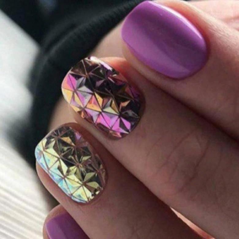Модный маникюр с покрытием ногтей «Чешуя дракона», изображение №4